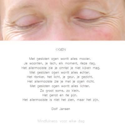 met gesloten ogen